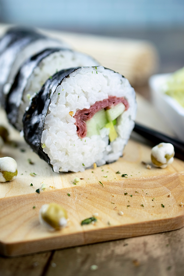 Beefshi Cali Roll Recipe,Trendy Twist on Sushi,Sushi Recipes using Beef,Beefshi Recipe,Innovative Foodie Recipes, Free Cooking and BBQ Magazine