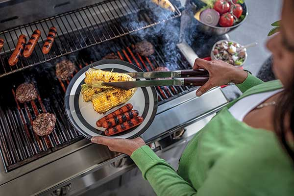 safe grilling tips,Barbecue Grills & Outdoor Cooking,Grilling and Barbecue Guide,outdoor grilling,Barbecue for dummies, Free Cooking and BBQ Magazine