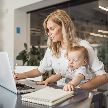 Top Tips to Transition Back to Work After Baby